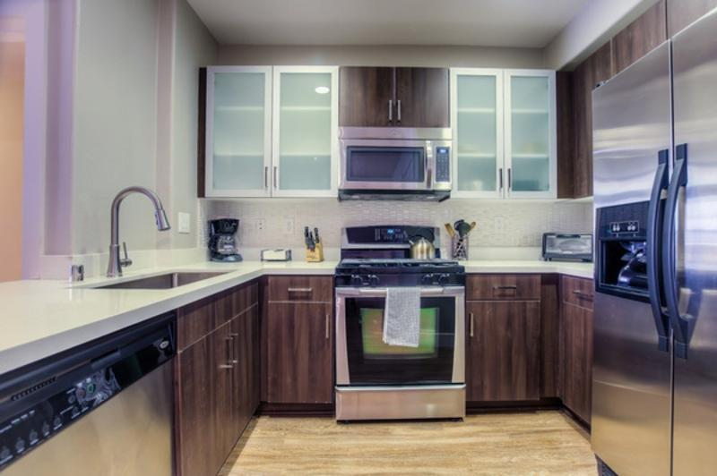 CHARMING FURNISHED 2 BEDROOM 2 BATHROOM APARTMENT - Image 1 - Los Angeles - rentals
