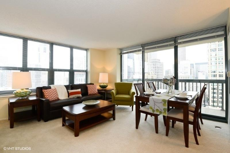 CHARMING, CLEAN AND SPACIOUS 1 BEDROOM APARTMENT - Image 1 - Chicago - rentals