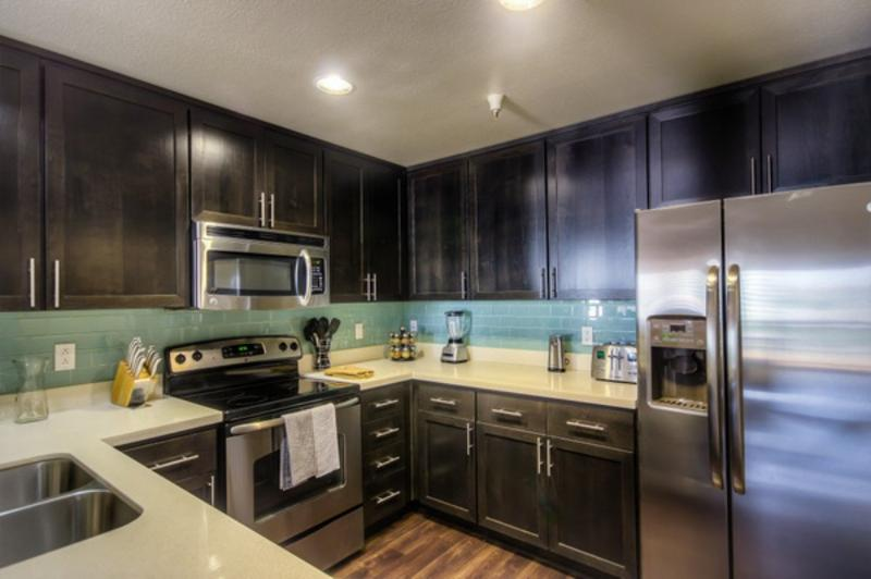LUXURIOUS AND SPACIOUS 3 BEDROOM, 3 BATHROOM APARTMENT - Image 1 - Los Angeles - rentals