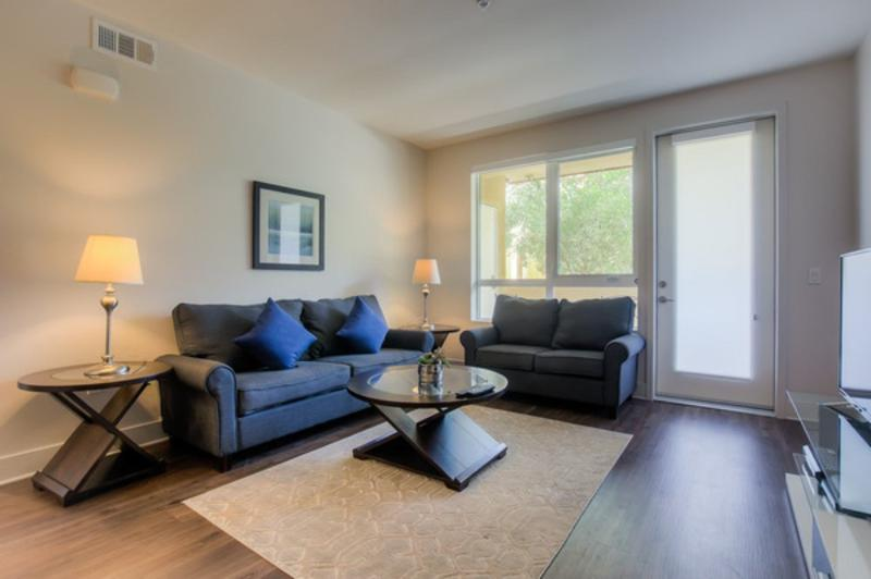 ALLURING FURNISHED 2 BEDROOM 2 BATHROOM APARTMENT - Image 1 - Los Angeles - rentals