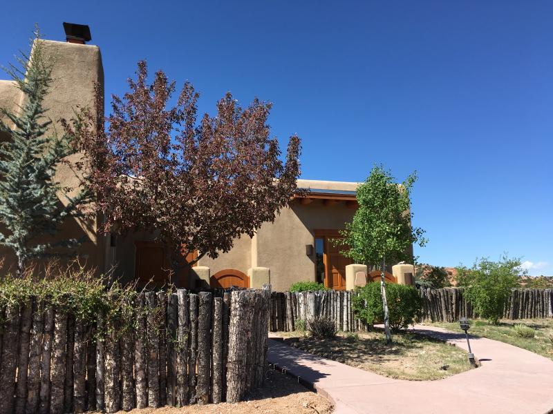 Serene and private, spacious 3 BR/3 bath villa. - Spectacular Bishop's Lodge Villa 5 Mins. fr. Plaza - Santa Fe - rentals