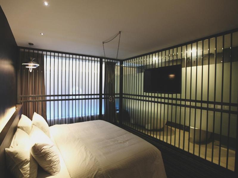Deluxe Suite Room - Image 1 - Georgetown - rentals
