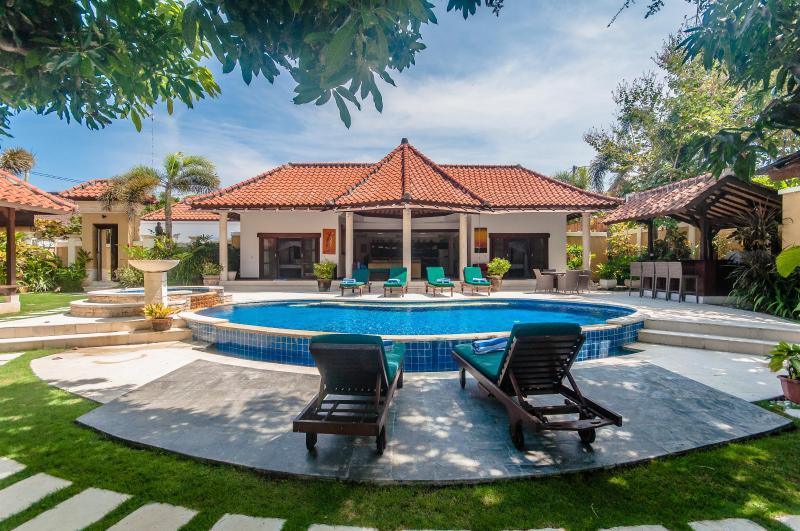 2 Bedrooms - Villa Ginger - Central Seminyak - Image 1 - Seminyak - rentals