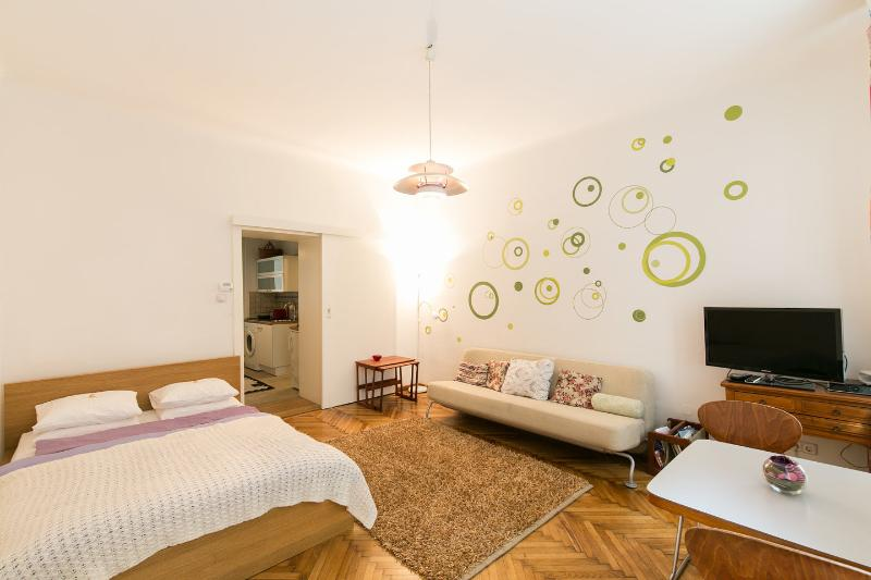 The Master Bedroom and Living Room - Vienna City Apart, Very Central!!!! - Vienna - rentals