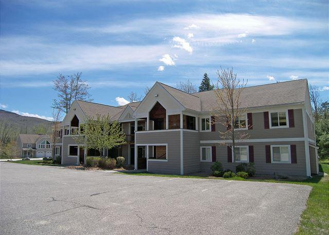 Exterior of Building - F5008- Managed by Loon Reservation Service - NH Meals & Rooms Lic# 056365 - Lincoln - rentals