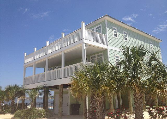"""""""Indian Bay Yacht Club #5""""   Gated property with Boat Slip and Covered Deck! - Image 1 - Dauphin Island - rentals"""