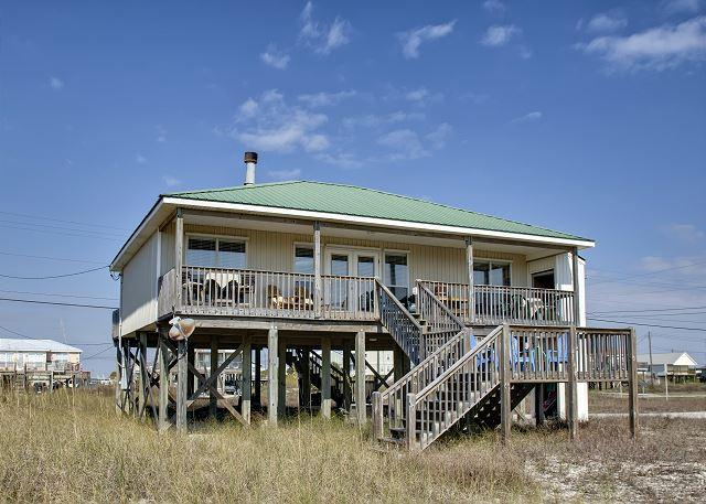 """""""Just Chillin'"""" near the Gulf of Mexico   TVs in Every Room   Pet-Friendly! - Image 1 - Dauphin Island - rentals"""