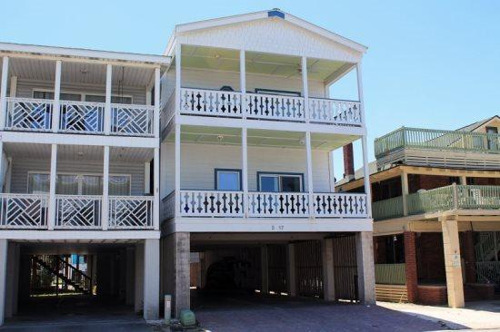 Oceanview Condominums - Unit B #5-B 17th Street - FREE Wi-Fi - Image 1 - Tybee Island - rentals