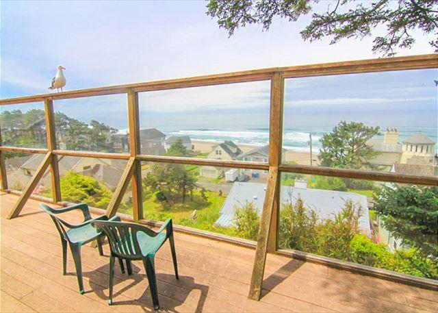Classic Oregon Cottage with Fireplace Near Siletz Bay is Cozy Retreat - Image 1 - Lincoln City - rentals
