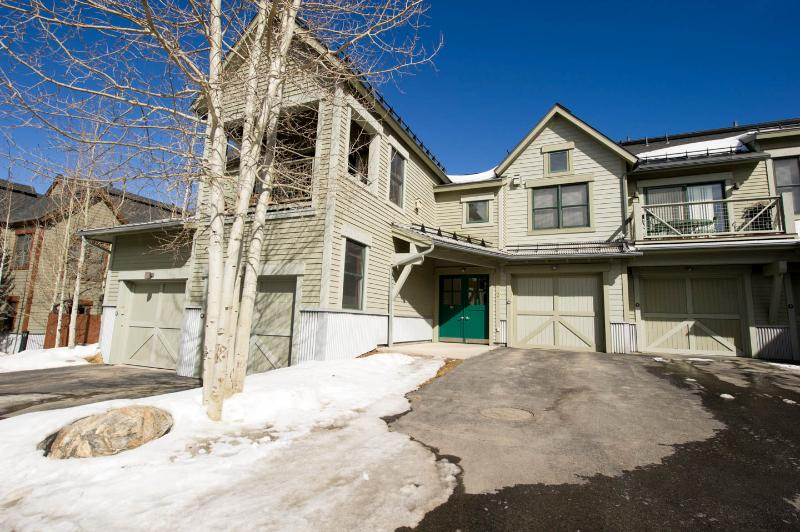 Walk to Lifts/Town, Mountain Views, Luxury Unit - Image 1 - Breckenridge - rentals