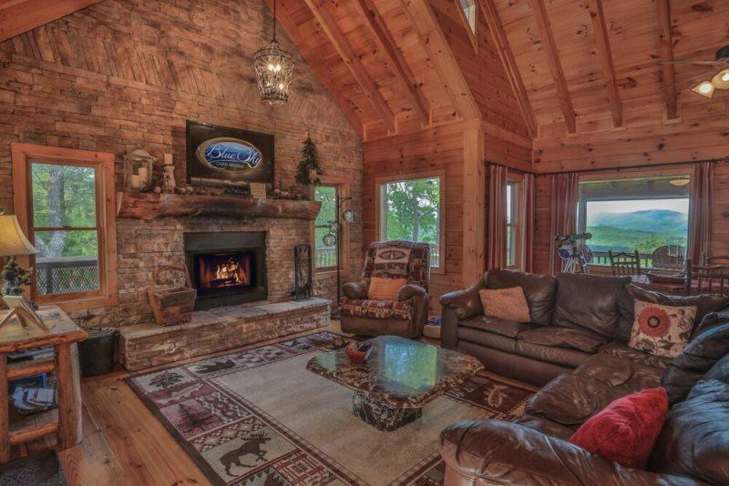 Beautiful family room with gas fireplace - North Georgia Mountain View Cabin With Sauna - Above It All - Ellijay - rentals