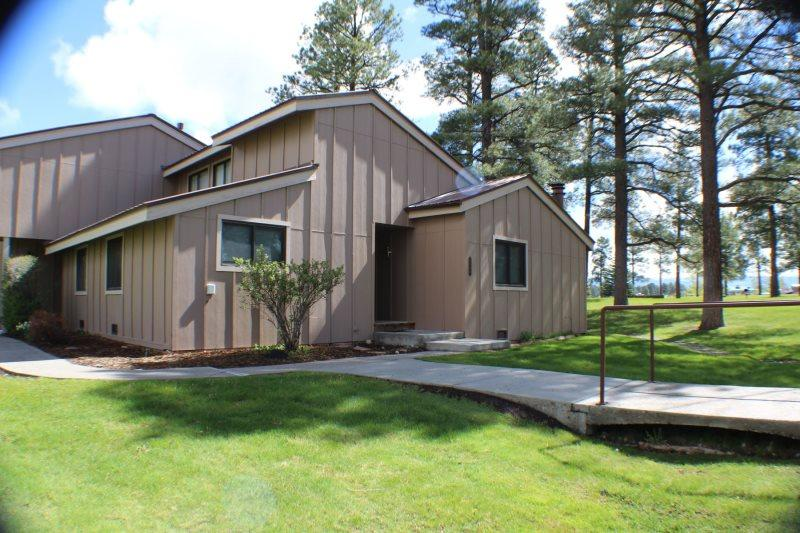 Pines 3040 is a conveniently located vacation condo in the heart of the Pagosa Lakes area. - Image 1 - Pagosa Springs - rentals