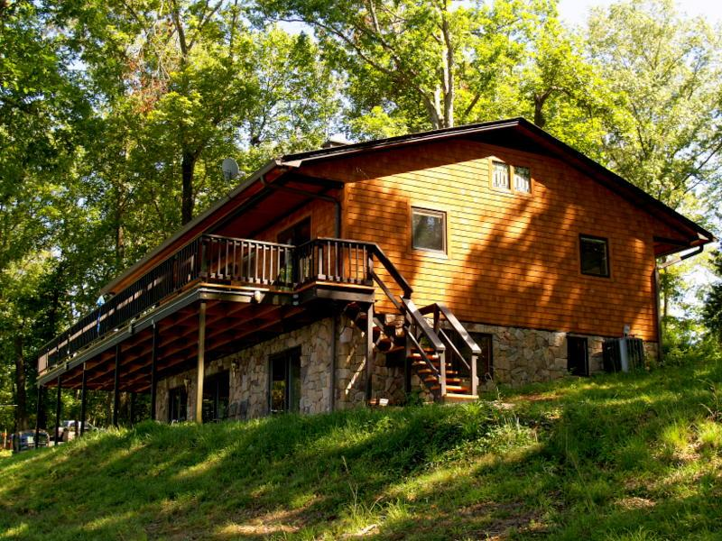 Ky Lake Cedar Shake Home with Boat Rental - Image 1 - Murray - rentals