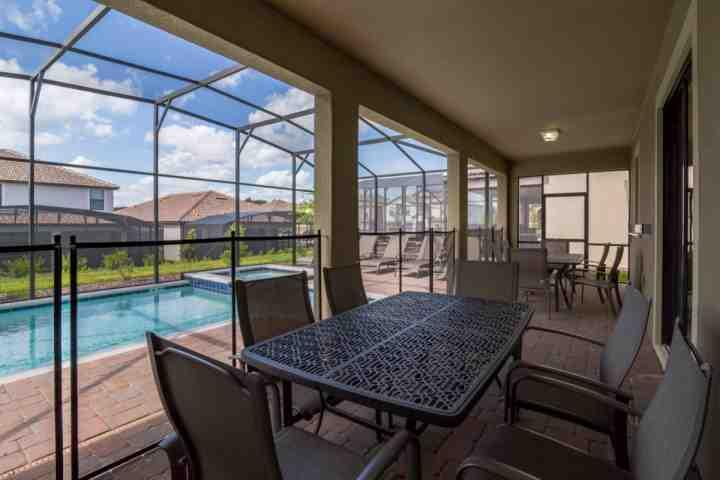 Lanai with Seating for Up to 12 and 5 Sun Loungers - 9160 Champions Gate - Davenport - rentals