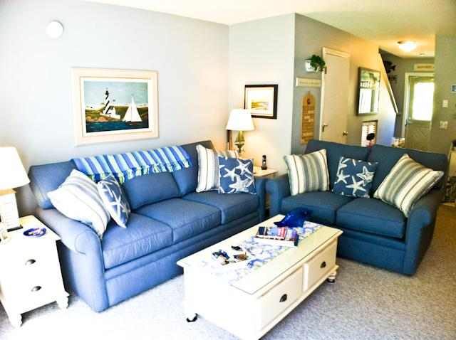 Living area - Ocean Edge- King Bed, Straight staircase, A/C & pool (fees apply) - HO0611 - Brewster - rentals