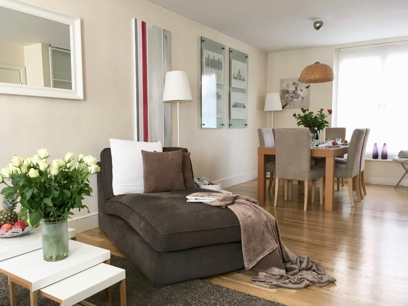 2 Bed/2bath! 3 min to subway!! MOST CENTRAL!! LUXURY! MODERN!! COVENT GARDEN!! - Image 1 - London - rentals