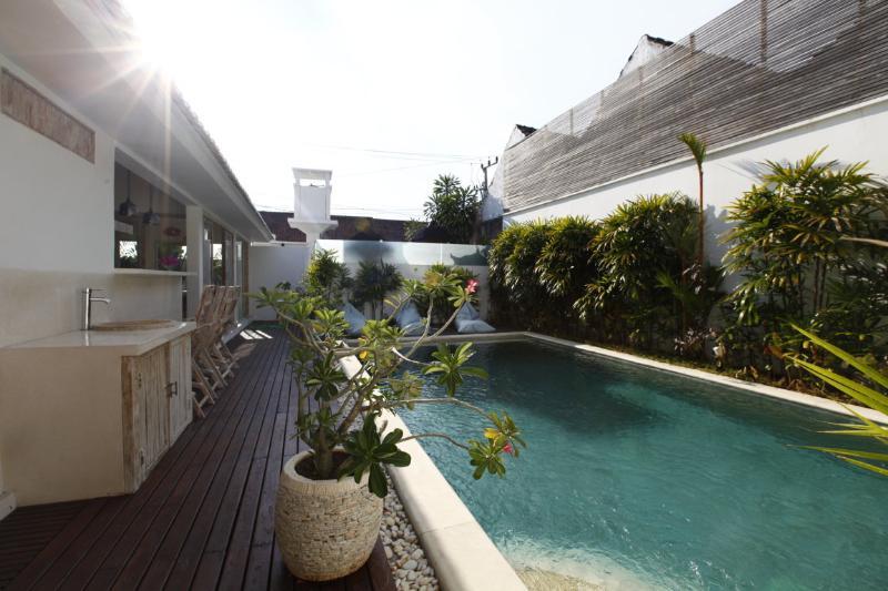 Ciccio 3 Bedroom New Villa in Central Seminyak - Image 1 - Seminyak - rentals