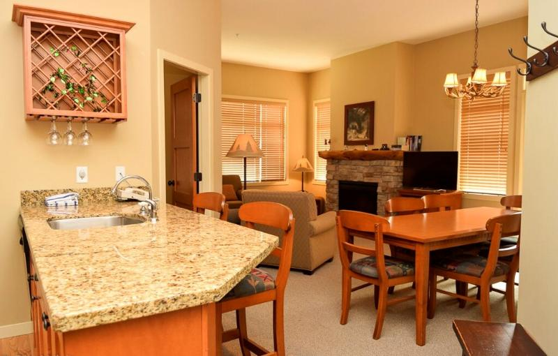 Open-concept 3 bedroom club suite - Big White Sundance Resort 3 Bedroom Club Suite - Big White - rentals