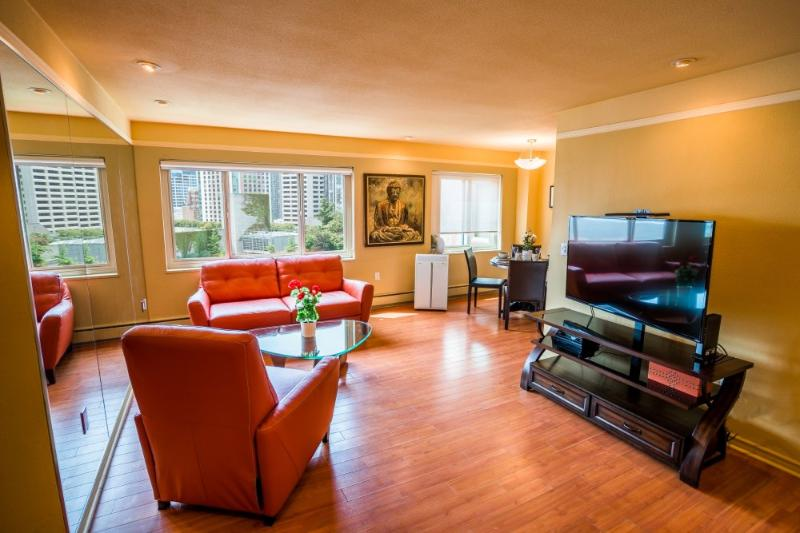 ALLURING FURNISHED 2 BEDROOM, 1 BATHROOM PENTHOUSE CONDO - Image 1 - Seattle - rentals