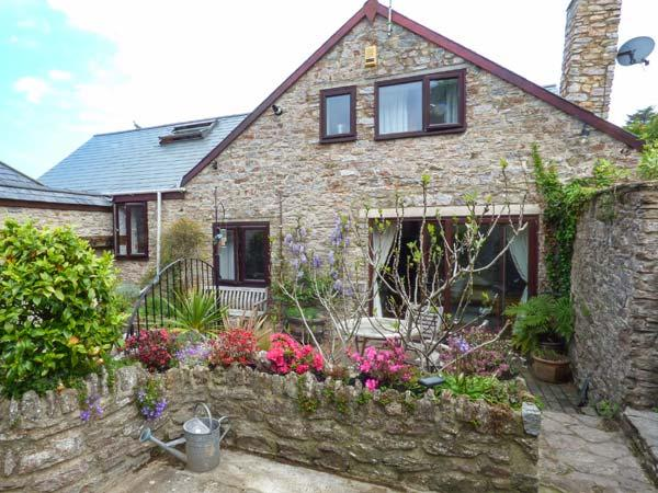 THE OLD BARN, character pet-friendly conversion, woodburner, WiFi, courtyard, Galmpton near Brixham Ref 937670 - Image 1 - Galmpton - rentals