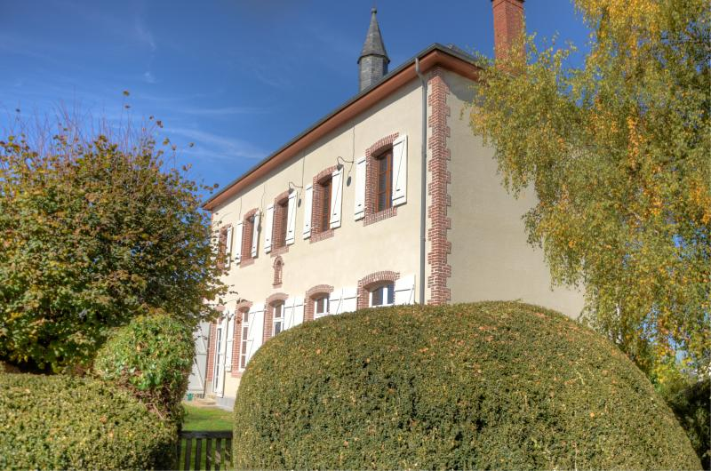 l'Ancienne Ecole op het hoogste punt in het dorp Troche in de Franse Corrèze ... - Newly renovated house with very luxury interior - Lubersac - rentals