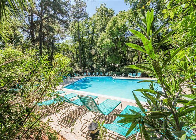Plantation Club 528, 2 Bedrooms, 2 Large Pools, Elevator, Sleeps 7 - Image 1 - Hilton Head - rentals