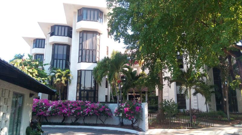 Caribe Hideaway - Image 1 - Kingston - rentals