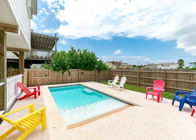 Private Pool - Shamrock by the Sea: Boardwalk to Beach, PRIVATE POOL, Ocean Breezes - Port Aransas - rentals