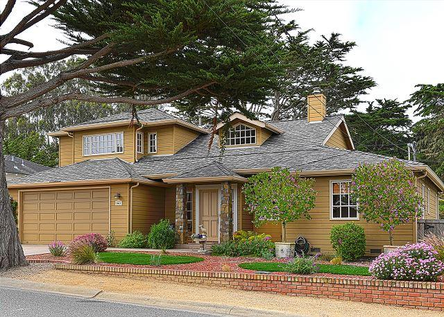 3718 Ocean Crest ~ Walk to the Beach & Golf Links! Gourmet Kitchen! - Image 1 - Pacific Grove - rentals