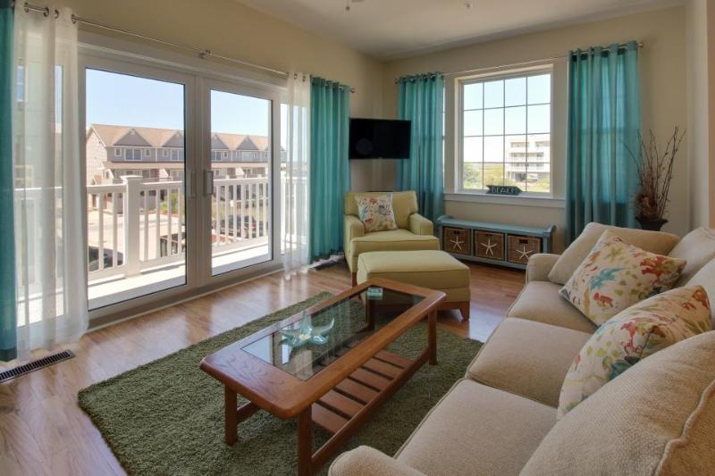 Charming townhouse w/ shared pool & stunning bay views! - Image 1 - Ocean City - rentals
