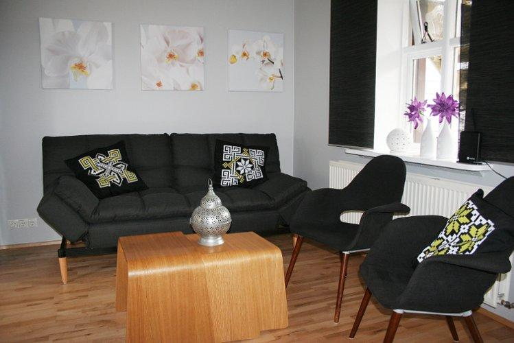Central Apartment - Image 1 - Reykjavik - rentals