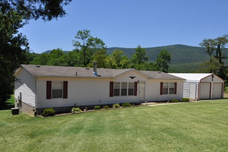 River front cabin with beautiful mountain views - Bear Meadows cabin on the Shenandoah River - Rileyville - rentals