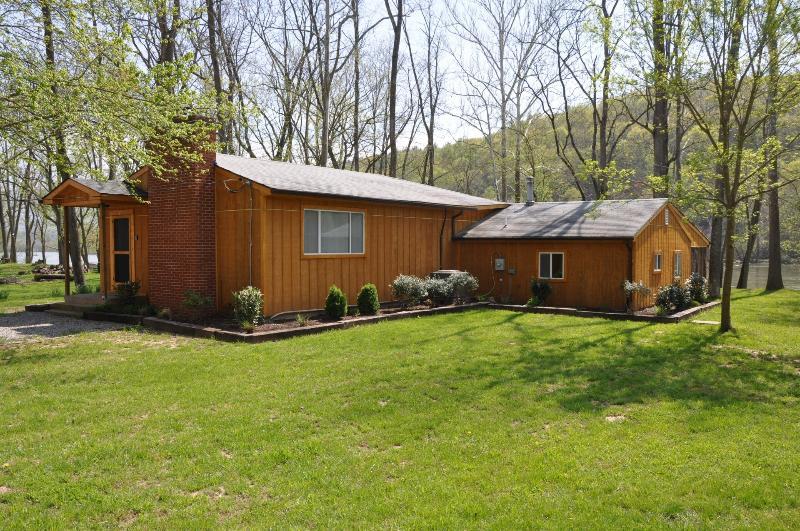 Shenandoah Stars Riverfront Cabin - Image 1 - Luray - rentals