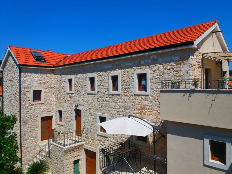 Dalmatian stone house Jelsa - Hvar Ap2 - Image 1 - Jelsa - rentals