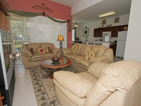 Beautiful 5 Bedroom 5 Bath Pool home in Windsor Hills. 7758TS - Image 1 - Orlando - rentals
