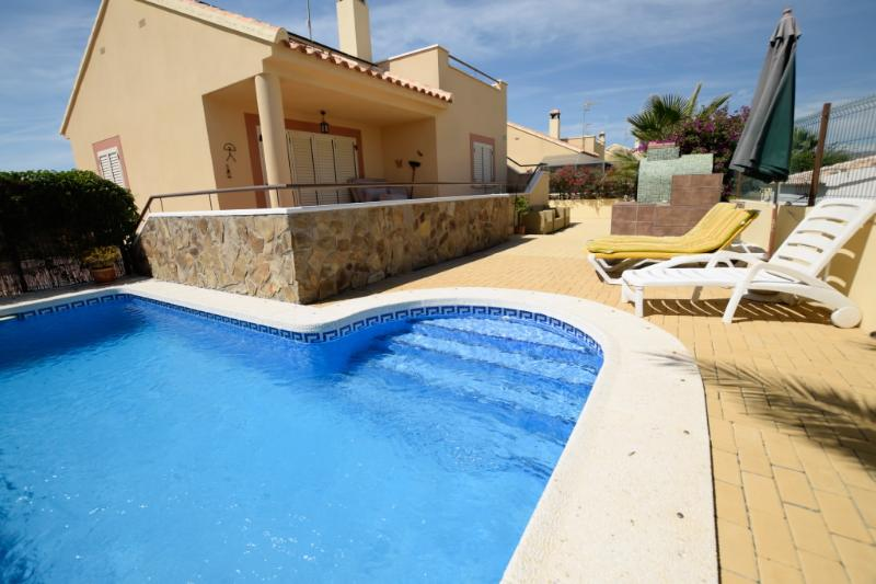Villa Marissa is a luxury 2 bed Villa with Pool - Image 1 - Zurgena - rentals