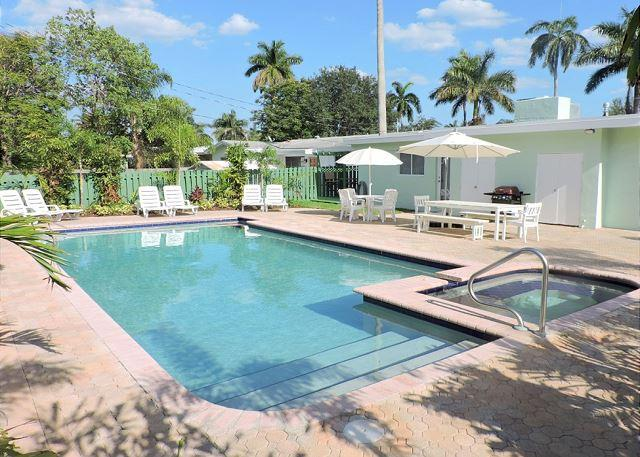 ALL NEW ALL 5/3 FOR 14, HEATED POOL, NEAR HOLLYWOOD BEACH & BOARDWALK  & GOLF - Image 1 - Hollywood - rentals