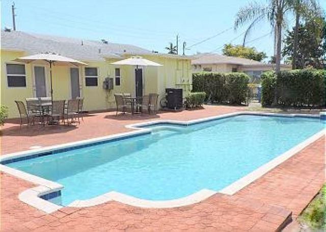 ALL NEW 6/6 FOR 16 HUGE HEATED POOL CLOSE BEACHES - Image 1 - Hollywood - rentals