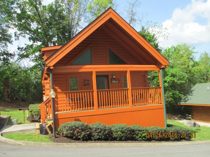 Make Sweet Memories      - B&D's Cabin - Pigeon Forge - rentals