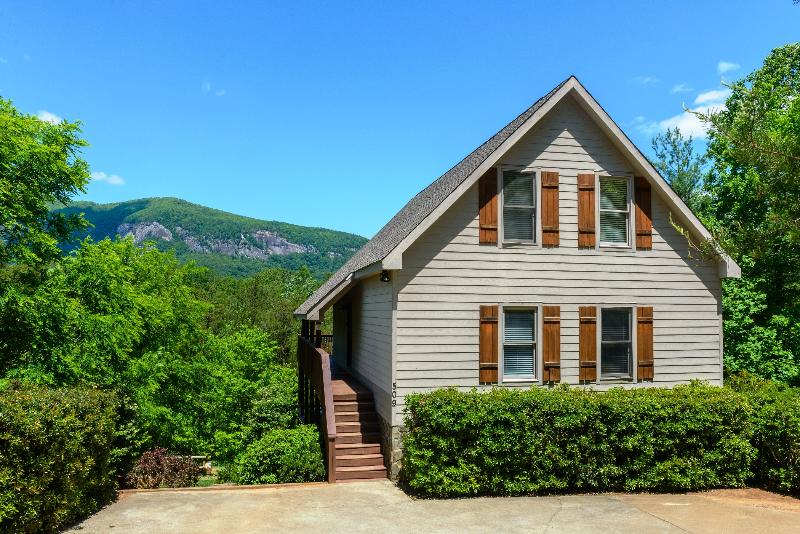 Welcome to Mountain Laurel Lodge - Large Home-Mtn Views-Hot Tub-Pool Table-Fire Pit - Lake Lure - rentals