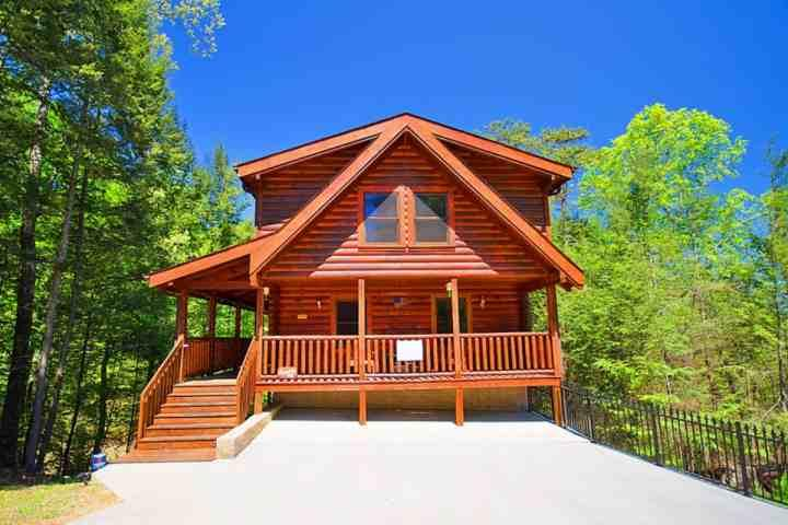 Welcome to American Pie! A beautiful cabin in the Brookstone Resort Community of Pigeon Forge! - Amenities!  Family Retreat -Game Room- Hot Tub- 1 Mile to Parkway! - Pigeon Forge - rentals