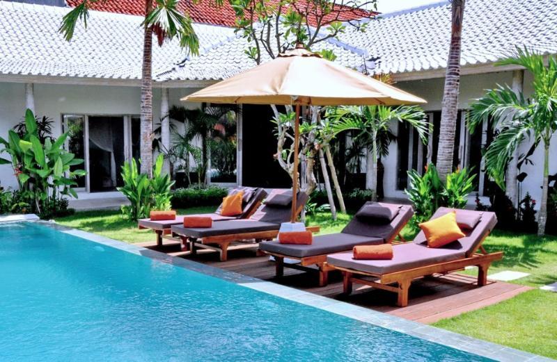 Budha I, 3 Bedroom Villa, Seminyak - Image 1 - Seminyak - rentals