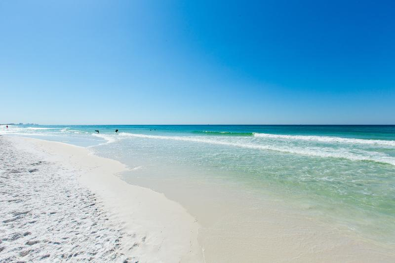 Beach - Newly Remodeled Corner Unit W/Amazing Gulf Views!! - Destin - rentals