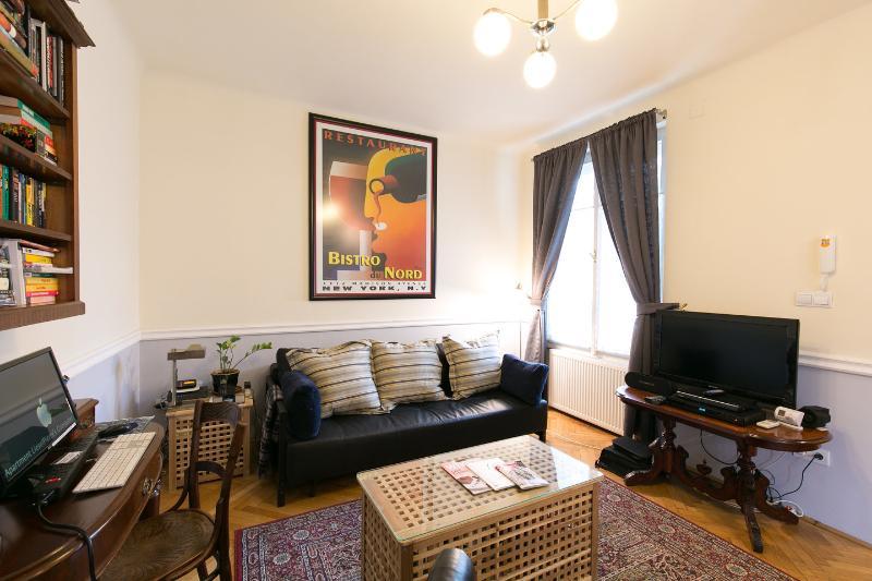 Living Room - Apt LieselPierre: Luxury Studio - CRUISE SPECIALS - Budapest - rentals