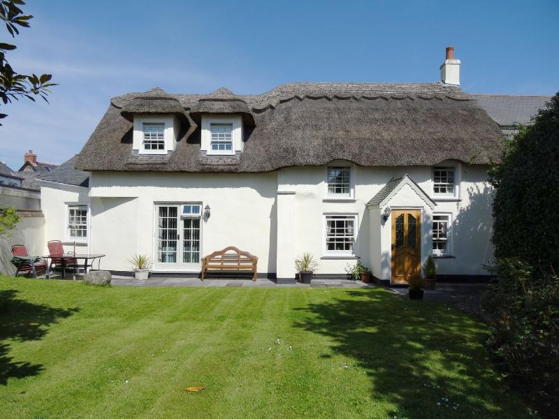 Coombe Cottage - Image 1 - Saint Keverne - rentals