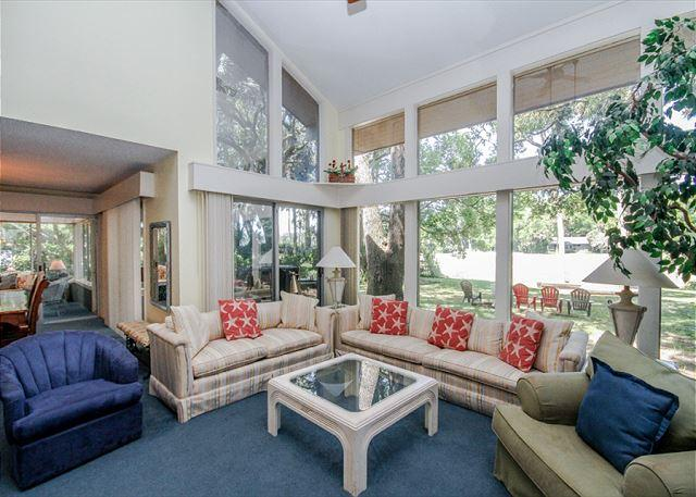 Living Room - North Sea Pines 70, 6 bedroom, 5th Row From Ocean, Private Pool, Sleeps 16 - Sea Pines - rentals