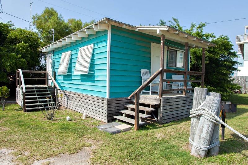 Sea & Sand Cottages 1 Bedroom Cottage Full Kitchen - Image 1 - Port Aransas - rentals