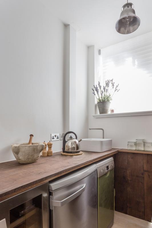 One Fine Stay - Daver Court Studio  apartment - Image 1 - London - rentals