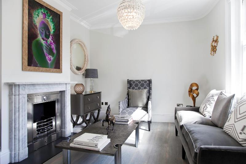 Magnificent 2 bed oasis, Upper Street, Angel - Image 1 - London - rentals
