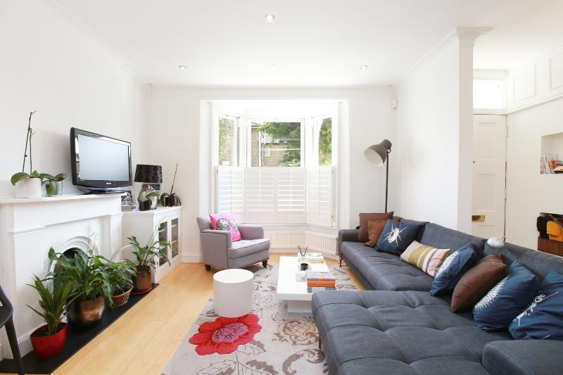 3 Bedroom Rental at Battersea in London on Orbel St. - Image 1 - London - rentals